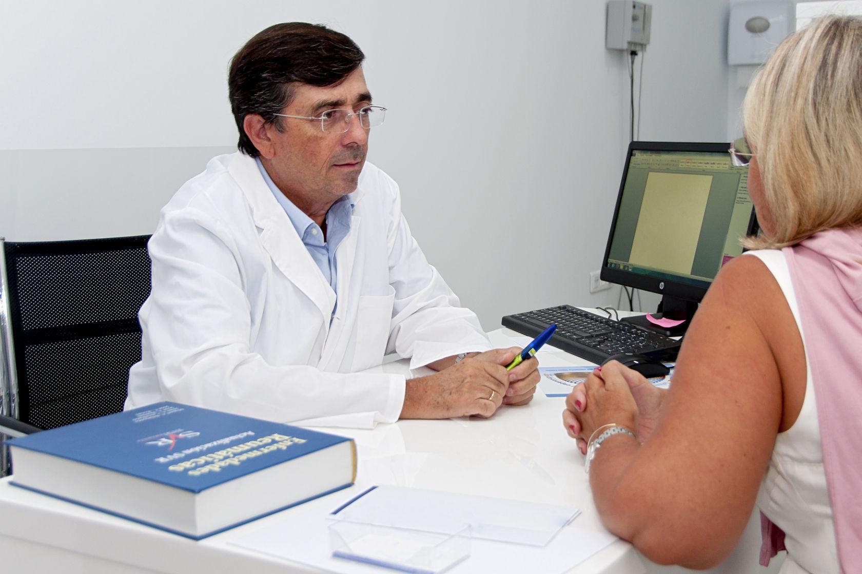 La consulta de Reumatología del Doctor Rosas